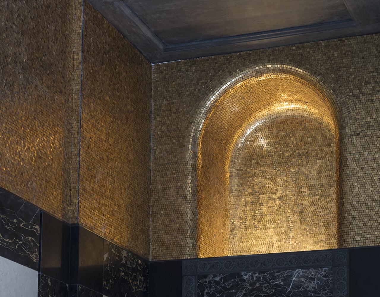 cotto artigianale intarsiato con il mosaico
