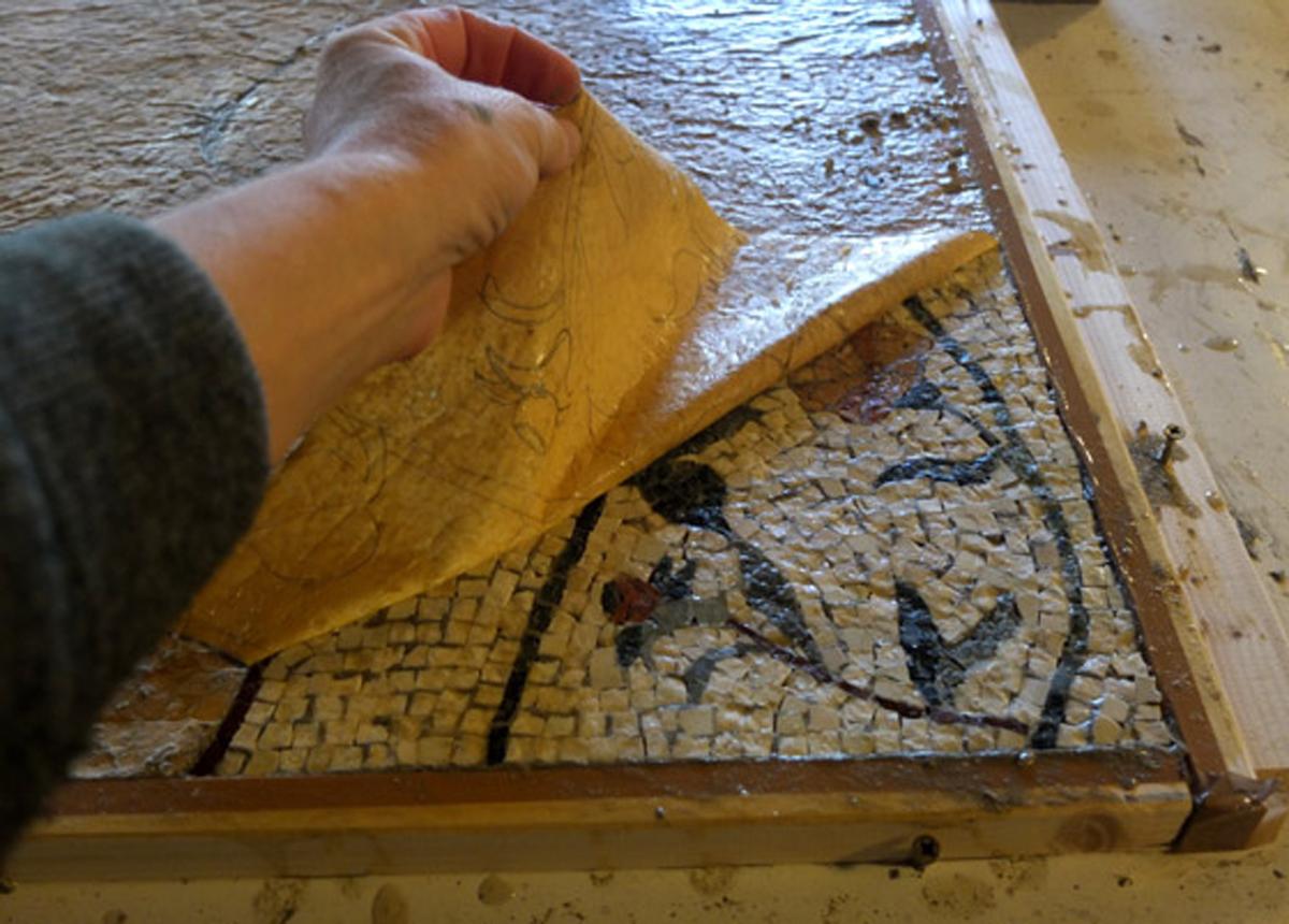 realizzazione di mosaici artigianali