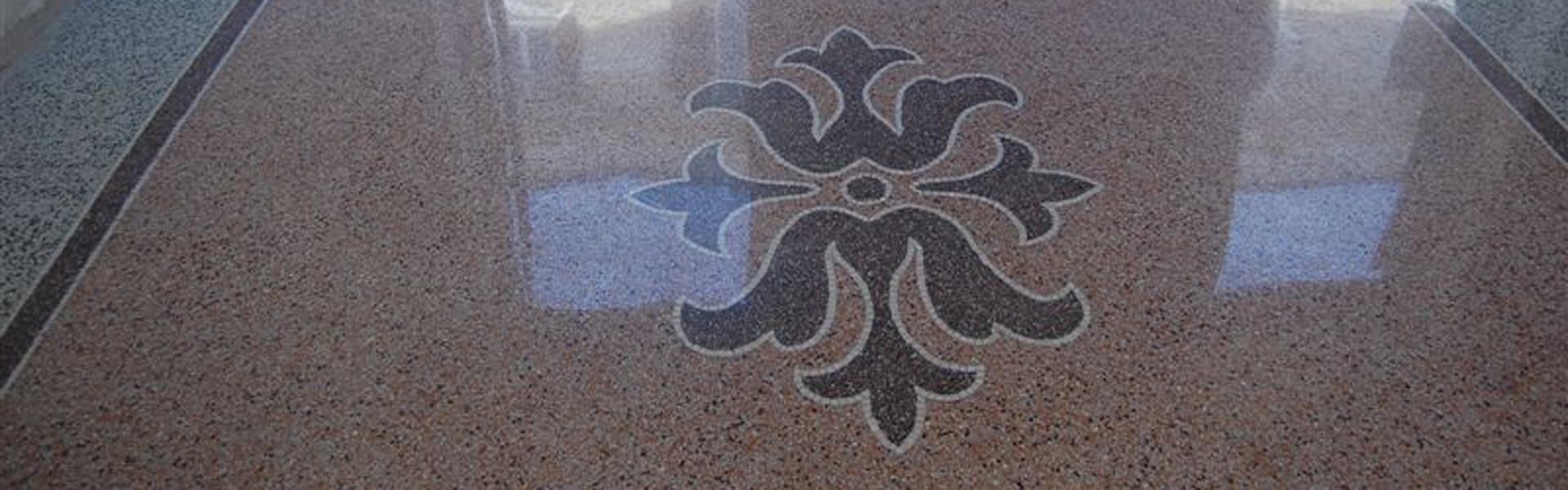 lavorazione in graniglia di un pavimento
