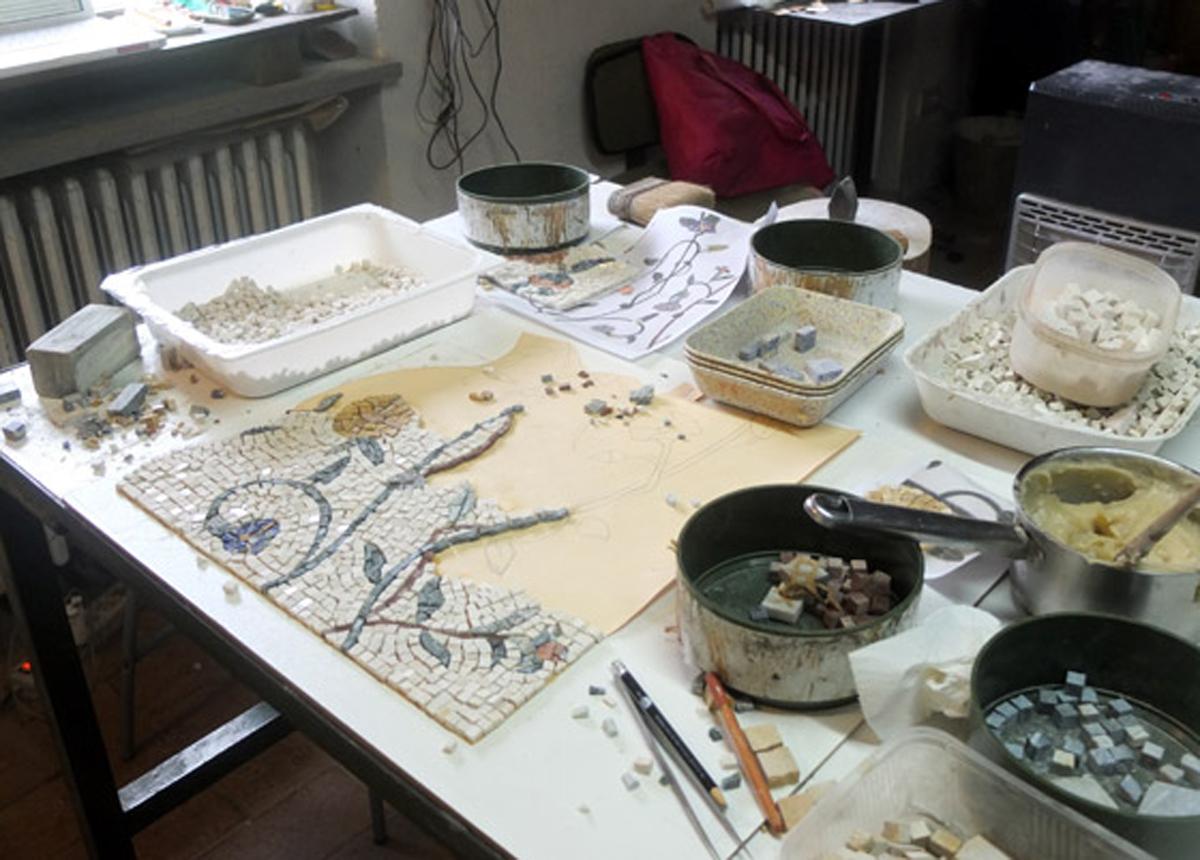 laboratorio di mosaico artigianale ad Orvieto e a Roma