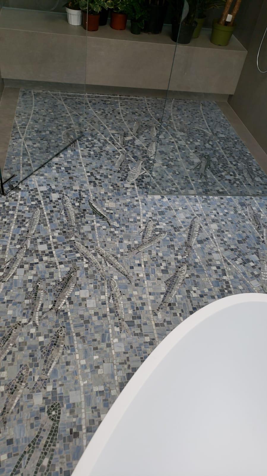 pavimento in mosaico con pesci